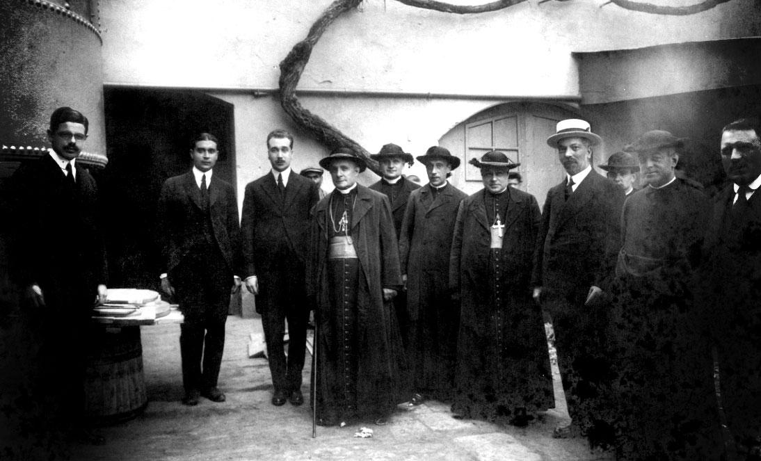 Visita del Nuncio Monseñor Tedeschini1